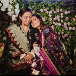 Iqra Aziz pens down khaas note this Mother's Day!